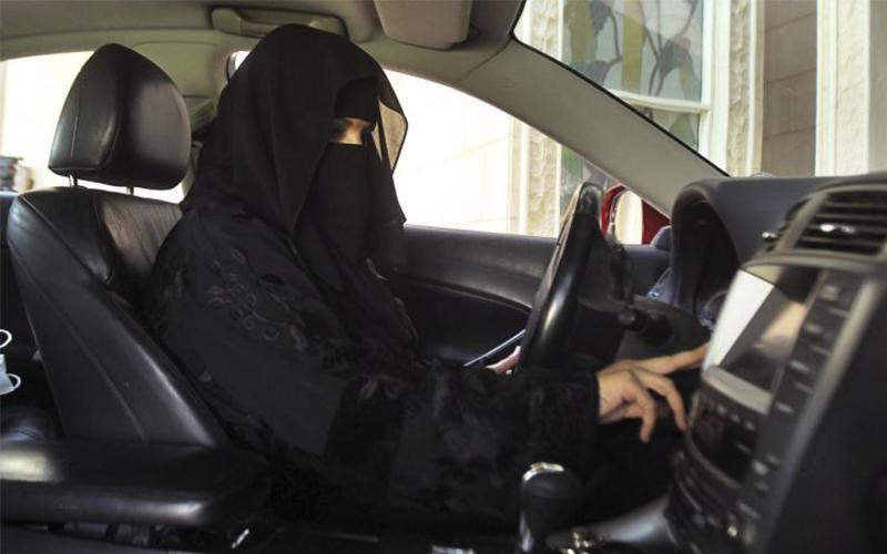 Sejarah Berubah, Perempuan di Arab Kini Diperbolehkan Menyetir Mobil